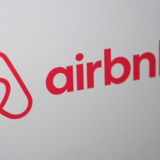 Airbnb asks people to donate money to landlords, backlash ensues