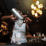 Men should limit alcohol to 1 drink a day, experts say