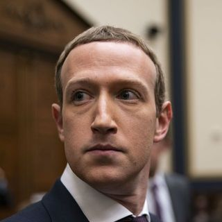 FTC Considering Deposing Top Facebook Executives in Antitrust Probe