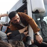 Turkish mayor offers refugees free bus trip to the Greek border