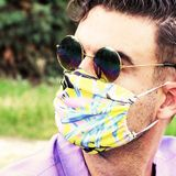 Experts Provide Tips on How to Wear a Mask Without Fogging Glasses or Short Breath