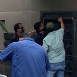 US Officials Break Into Chinese Consulate in Houston After Staff Evicted - Video