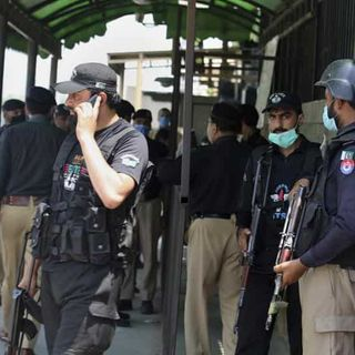 Pakistani Muslim accused of insulting Islam killed in court