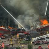 HFD now battling fire at SE Houston grocery store