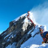 A Deadly Day of Chaos at the Top of Mount Everest