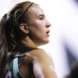 Sabrina Ionescu helped off the court after ankle injury, X-rays negative