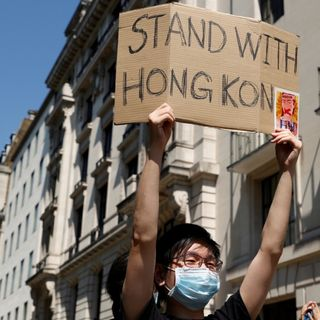 Hong Kong 'issues arrest warrants' for exiled democracy activists