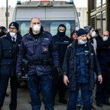 Italians who attempt to flee coronavirus lockdown may face jail