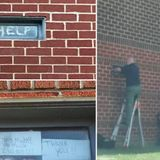 US jail covers windows after inmates share messages denouncing sanitary conditions