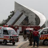Pakistani air force pilot practicing stunts for parade killed in crash near Islamabad