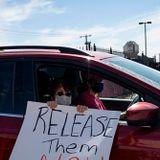Oregon Protesters Swarm Bus After ICE Arrests Two Criminal Aliens