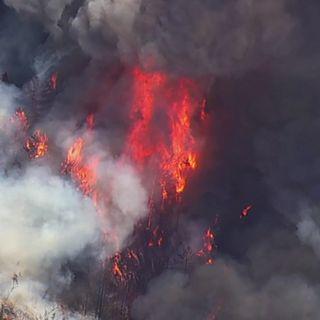 Wildfire burning in San Mateo, Santa Cruz counties prompts evacuations