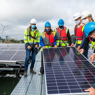 1st Floating Solar Power Plant In Belgium Goes Up — 17,250 Floating Solar Panels