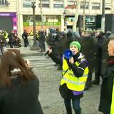Police prevent French yellow vests crossing into Italy