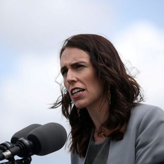 New Zealand announces move to enter lockdown over next 48 hours