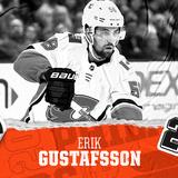 Flyers sign D Erik Gustafsson