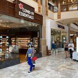 Aunque preferiría cerrar, la cadena de tiendas COVID-19 Essentials se expande