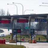 Canada-U.S. border to remain closed until Nov. 21, at least