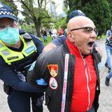 Police arrest demonstrators at Melbourne protest against Victoria's coronavirus lockdown restrictions - ABC News