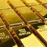 Gold prices decline with the rise of the Dollar