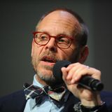Alton Brown Says He Votes Republican (But Hates Trump) and Folks Are Still Upset