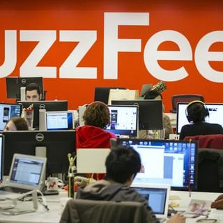 BuzzFeed buys HuffPost from Verizon and signs an alliance with the telecom company