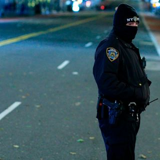 New York City Cop Pummeled By Mob, Police Say