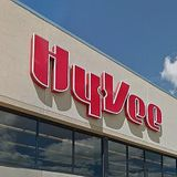 Hy-Vee Reinstates Shopping Hours For High Risk Customers