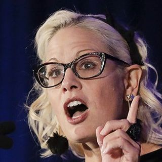 Kyrsten Sinema Calls to Replenish Small Business Relief Despite Schumer's Objections