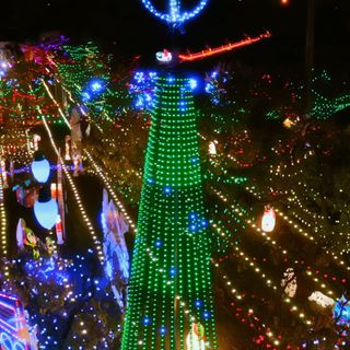 Bay Area family's display, Mattos Orchard Lights, to be highlighted on ABC's 'The Great Christmas Light Fight'