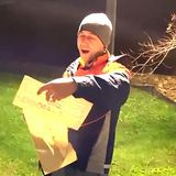 Christmas charity: Amsterdam neighborhood surprises overworked postman with 4,000 euro gift