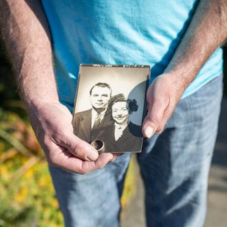 40 years ago he found a wedding ring under the stairs. Now, he's found its owner.