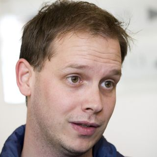 Pirate Bay Founder Thinks Parler's Inability to Stay Online Is 'Embarrassing'