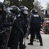 """Officer Almost Crushed by Capitol Mob: """"If it Wasn't My Job I Would Have Done That for Free"""""""