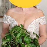 Can you spot why everyone is mocking this wedding dress?