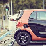 New Fast-Charging, Low-Cost Batteries Could Be a Game-Changer for Electric Cars