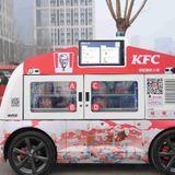 Automatic food truck sets up shop in Zhengzhou