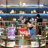 China bucks the global luxury market trend