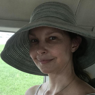"""Ashley Judd Recuperating From """"Catastrophic"""" Leg Injury After Fall In Congo Rainforest"""