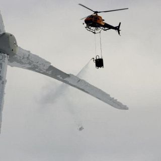 Viral Image of Helicopter De-Icing Texas Wind Turbine Is From Sweden