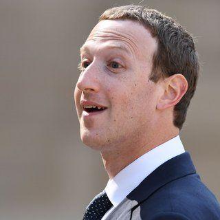 Mark Zuckerberg Has Dumped $296 Million Worth of Facebook Shares So Far This Month
