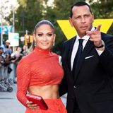 Mets could 'fall into the laps' of Alex Rodriguez, Jennifer Lopez at huge discount