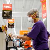 Masks urged for H-E-B shoppers -but not required