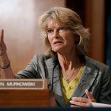 Trump vows to campaign against 'disloyal' Murkowski
