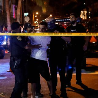 State of emergency in Miami Beach extended to April 11 as spring breakers overwhelm the city