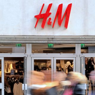 H&M Is Getting Canceled in China For Not Using Xinjiang Cotton