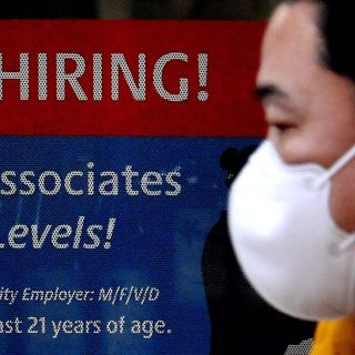 U.S. gains 916,000 new jobs in March and signals strengthening economy