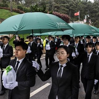 Wuhan cemeteries see 320,000 early mourners before Tomb Sweeping Festival: Chinese media | Taiwan News | 2021/04/06