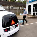Domino's pizzas now delivered with autonomous cars in Houston