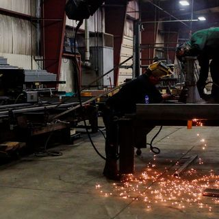 U.S. manufacturing, new homes sales underscore booming economy